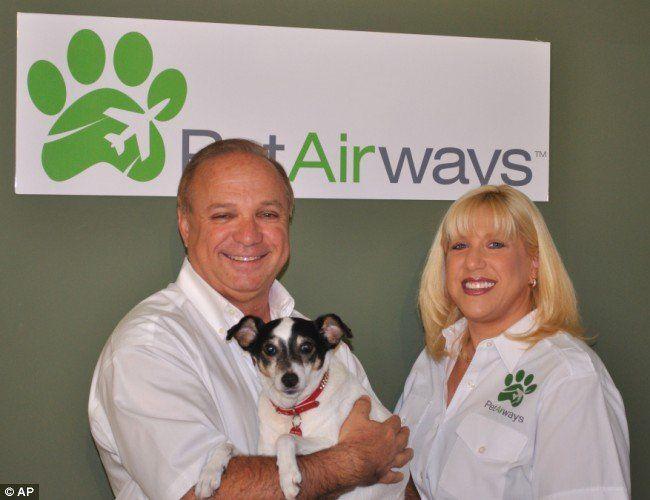 Sjedinjene Države bila je domaćin prvog Pet Airways let aviokompanije služe Kućni ljubimci - mačke i psi