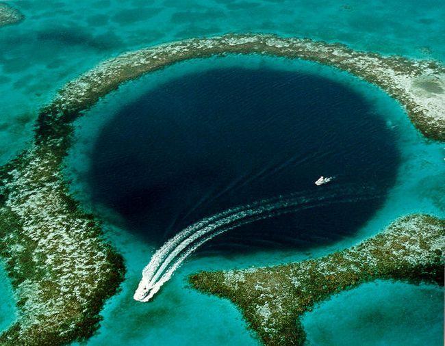 Veliki Blue Hole (Velika Blue Hole) - pravi remek svemira.