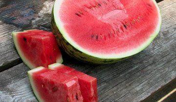 Урожай спелых арбузов, nutritionmythbusters.blogspot.com
