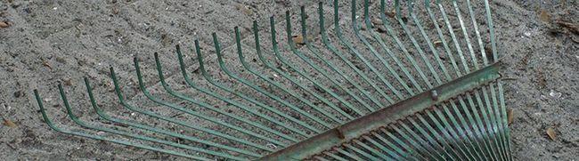 Изготавливаем качественные веерные грабли для уборки мусора и рыхления земли