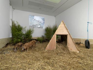 Китайский художник Чжан Хуан выставил в лондонской галерее проект, посвященный