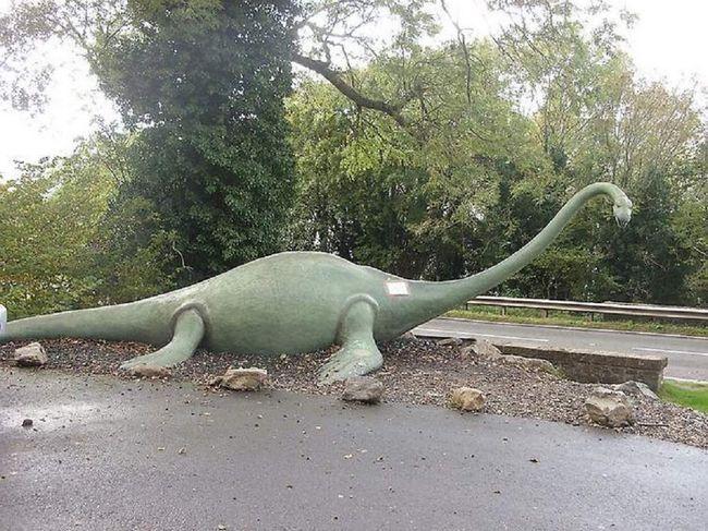 Skulptura posvećena Nessie.