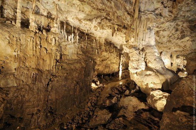 Moravský kras Moravský kras (Česká Moravského krasu.) - jeden z největších evropských krasových jeskyní