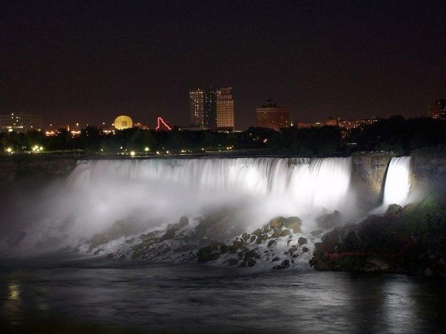 Noć Niagara Falls
