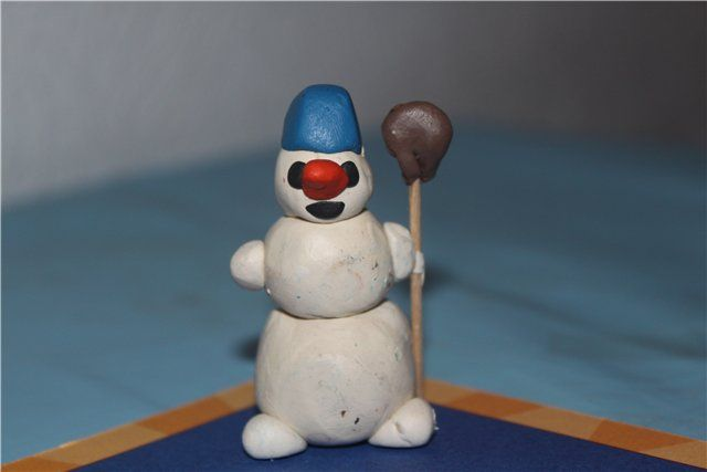 Пластилиновый снеговик.
