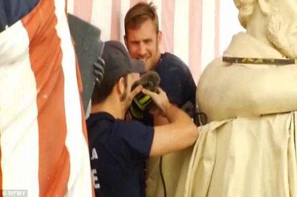 Бригада пожарных спасла пленника из 3-дневного заточения (фото: dailymail.co.uk)