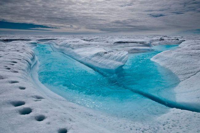 Reka se formira u blizini Petermann Glacier.