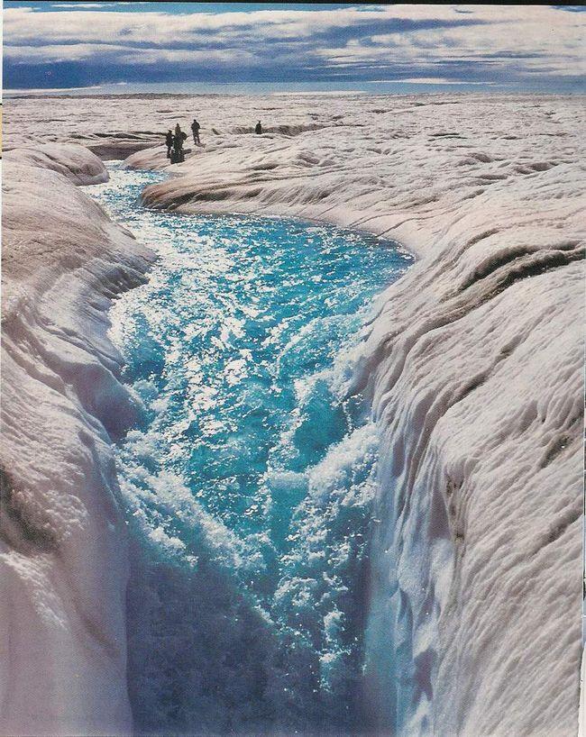 Plava voda - neverovatan prizor.