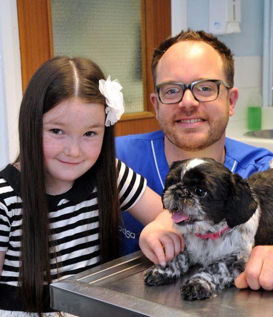 Dama sa veterinar i mlada ljubavnica
