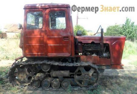 Traktor T-54