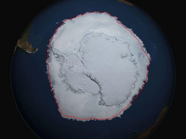 U 2014. godini, oko Antarktika namerzlo snimiti puno leda