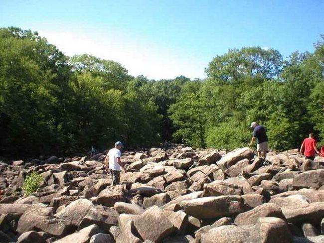Загадка природы - парк звенящих скал